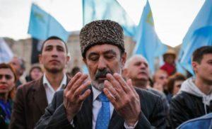 Російські силовики затримали в Криму організатора заходу кримських татар