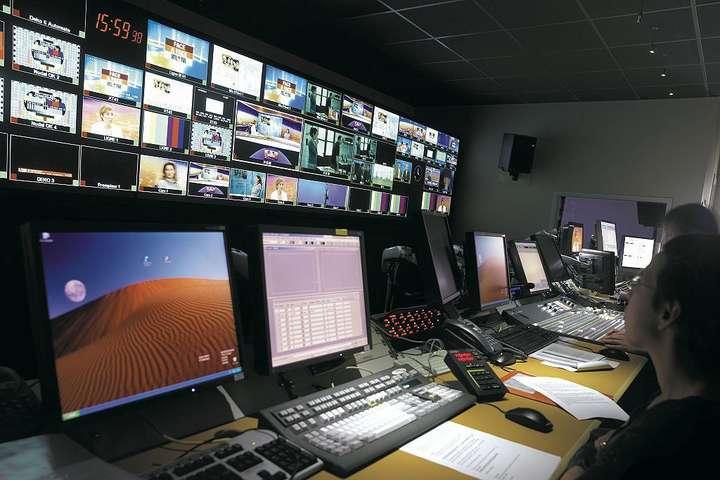 Українськи канали запрацювали в окупованному Криму (ВІДЕО)