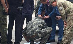 В Миколаєві зловмисники намагались підірвати автомобіль місцевого депутата (ФОТО)