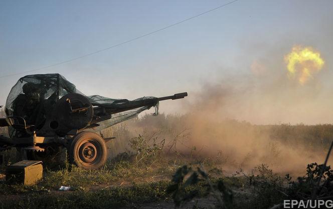 """Бойовики обстріляли Штаб гумдопомоги у """"сірій зоні"""", згоріли 9 будівель"""