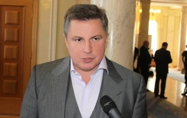 Печерський районний суд Києва дозволив ГПУ заарештувати банківські рахунки сина Азарова у Швейцарії