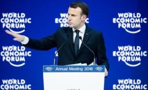 Макрон в Давосі пообіцяв закрити всі ТЕС у Франції до 2021 року