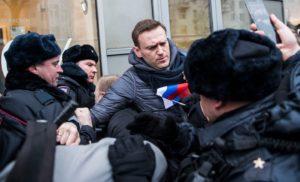 Усі офіційні російські ЗМІ промовчали про арешт Навального