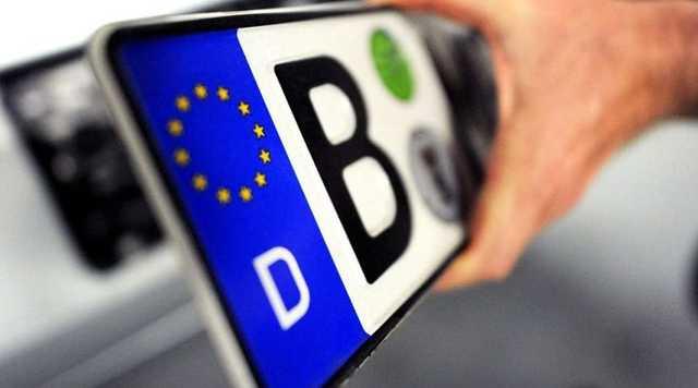 Власникам «євроблях» доведеться платити податок за їзду українськими дорогами?