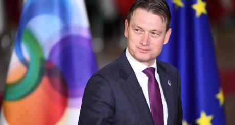 Глава МЗС Нідерландів подав у відставку через зустріч із Путіним