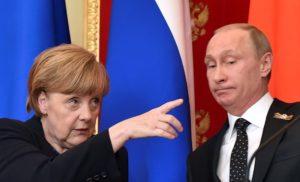 Меркель нагадала Путіну про мінські домовленості