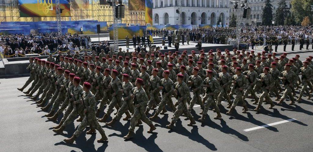 В Україні набув чинності указ Порошенка про військовий парад на День незалежності