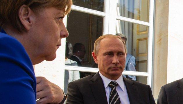 У Берліні назвали теми сочинських переговорів Меркель із Путіним
