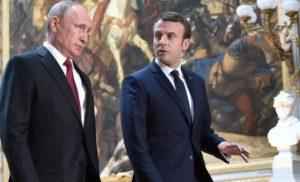 Макрон обіцяє продовжити з Путіним діалог про Сенцова