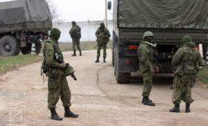"""Путін досі робить вигляд, що """"зелені чоловічки допомогли"""" кримчанам"""