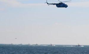 В Азовському морі військові провели навчання з бойовими вертольотами [ВІДЕО]