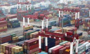 Китай заявив про початок найбільшої торговельної війни