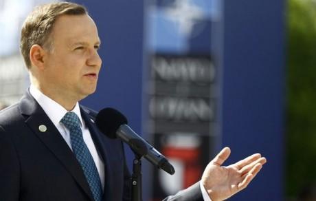 Президент Польщі під час візиту на Волинь відвідав польське кладовище в Олиці