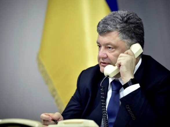 Стало відомо, про що найчастіше говорять Порошенко і Путін
