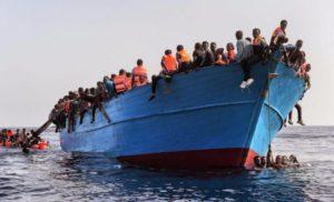 Офіційний Рим пригрозив блокувати прибуття до італійських портів суден місій ЄС із врятованими мігрантами