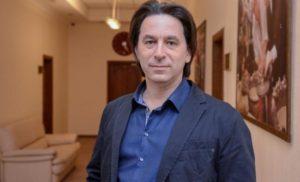 Донбас, миротворці та Сенцов: Олег Медведєв розповів, про що говоритимуть Меркель та Путін