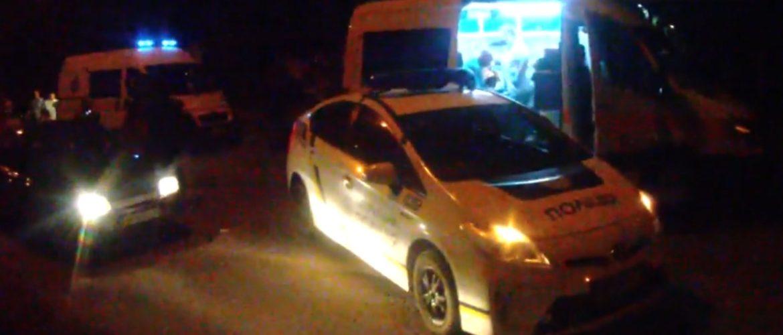 У Запоріжжі 17-ти річна дівчина протаранила патрульних, збила двох пішоходів та спробувала втекти (ВІДЕО)