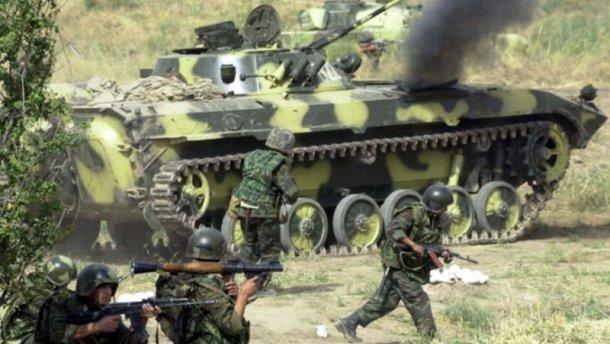 У Криму окупанти проводять військові навчання