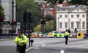 Британська поліція розглядає інцидент біля парламенту як теракт