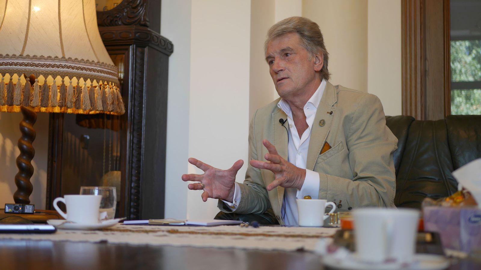 Ющенко дав розлоге інтерв'ю Українській правді: Тимошенко і Янукович — два чоботи з однієї пари