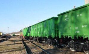 Під Харковом вантажні вагони на швидкості протаранили пасажирський потяг
