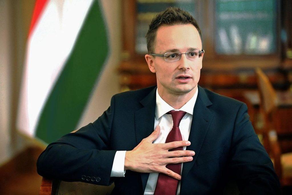 В Будапешті відповіли а можливу висилку угорського дипломата з України, який видавав українцям паспорти Угорщини