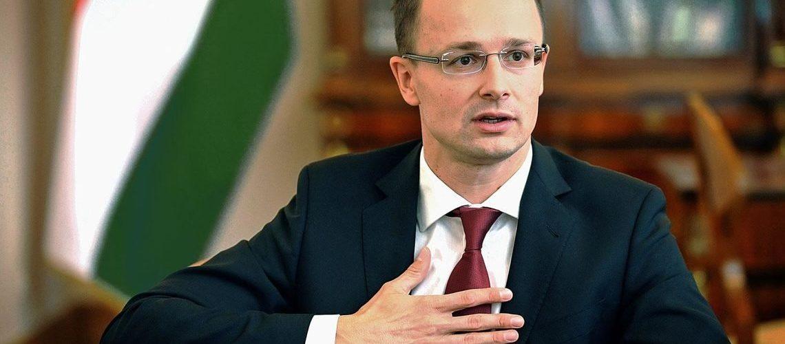 В Будапешті відповіли на можливу висилку угорського дипломата з України, який видавав українцям паспорти Угорщини