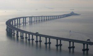 У Китаї відкрили найдовший морський міст в світі ФОТО