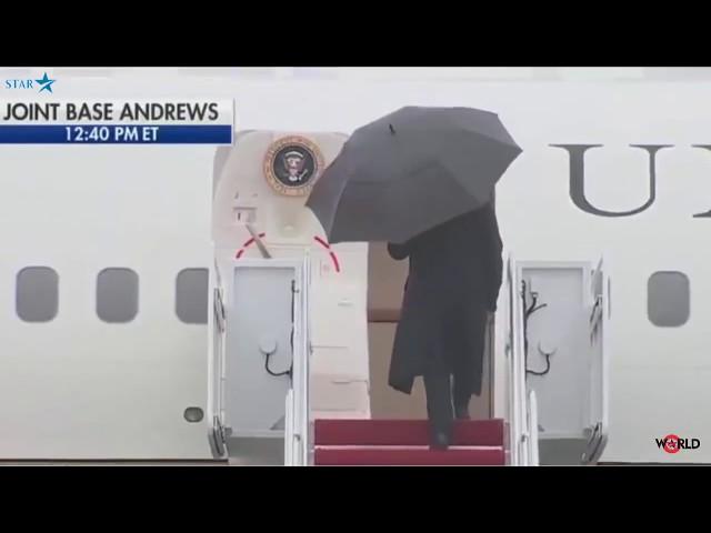 У Трампа трапився конфуз із парасолькою