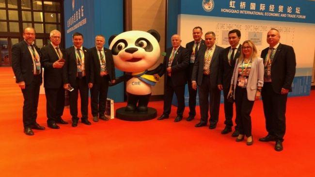 Вперше Україна презентувала Національний стенд на Міжнародній імпортній виставці у Китаї