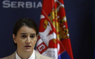 Уряд Сербії через формування власної армії в Косово – погрожує ввести війська
