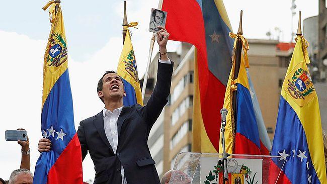 Лідер опозиції Венесуели оголосив себе виконуючим обов`язки президента - США та Европа підтримали