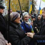 """Штаб Порошенко заявив, що фото Порошенко """"втікаючого"""" від людей в Житомері - фейк розповсюдженний РосЗМІ"""