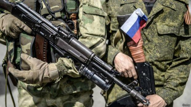 Напередодні українських виборів, росіяни перекинули батальйонно-тактичну групу до українського кордону