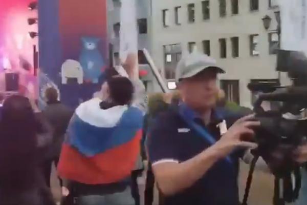 """""""Путін – х*йло!"""" Кремлівських пропагандистів """"тепло"""" зустріли у Мінську (ВІДЕО)"""