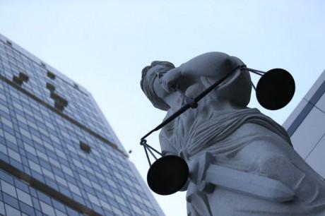 Суд прийняв рішення стягнуть з Росії понад 1,1 млрд доларів на користь Ощадбанку
