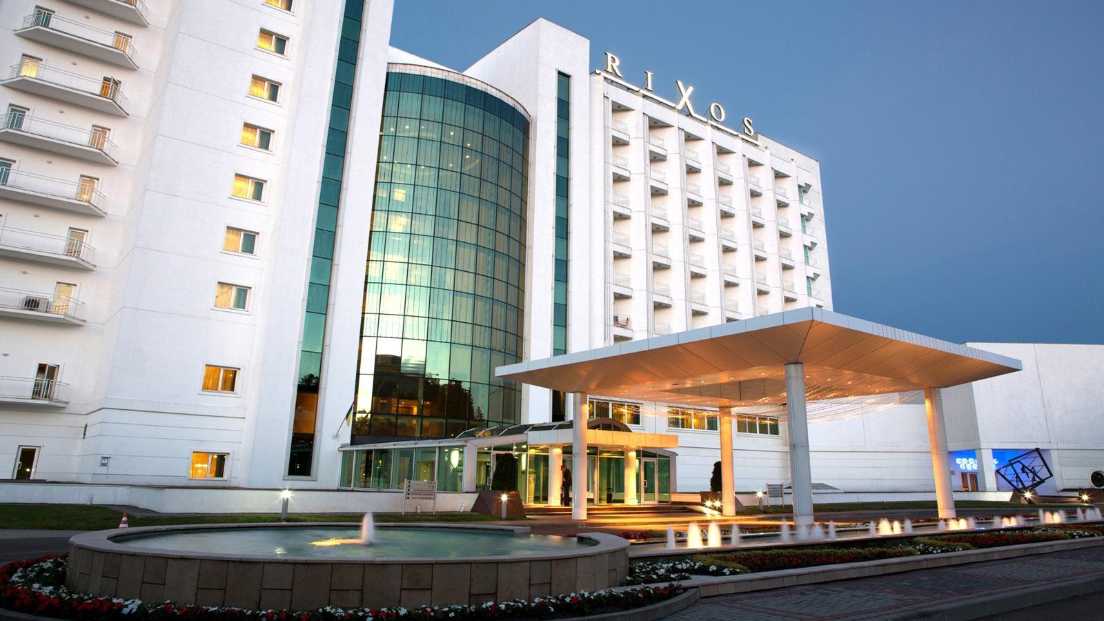 """Отель в Трускавцях, в якому проходив з'їзд """"Слуги народу"""" повідомив про зникнення 256 рушників після завершення заходу"""