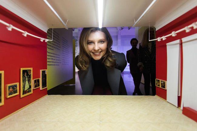 Олена Зеленська відвідала виставку про Україну