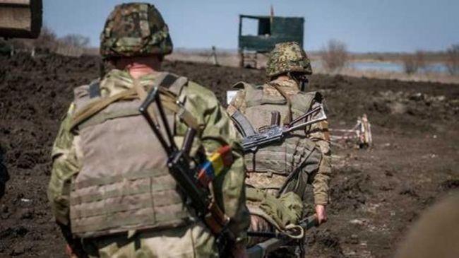 Бойовики обcтріляли вантажівку сил ООС, є втрати, - Міноборони