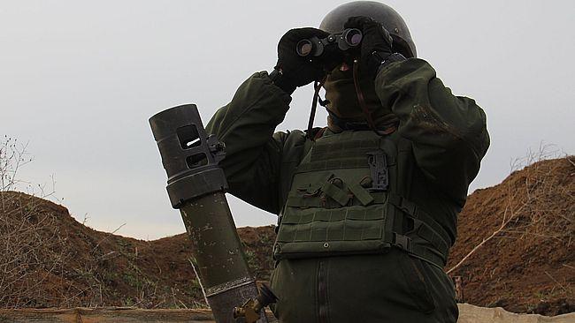 Окупанти маскують готові до бою танки і ракетні системи поблизу лінії зіткнення