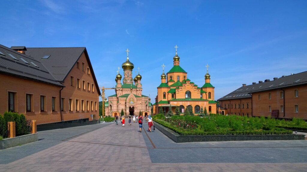 Покровський Голосіївський чоловічий монастир закривають на карантин