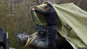 На посольство Чехії у Москві скоєно напад
