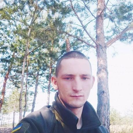 У зоні бойових дій загинув боєць із Вінниччини Олександр Карпик