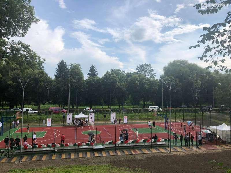 У Луцьку відкрили перший загальноміський майданчик для занять та змагань з баскетболу
