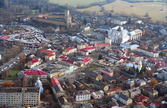 """Луцька міськрада закликає уряд скасувати """"червоний"""" рівень епіднебезпеки в місті"""