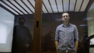У РФ більше 500 лікарів підписали вимогу про медичну допомогу Навальному