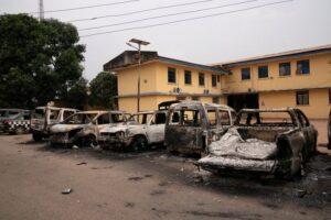 У Нігерії з тюрми втекли майже 2 тисячі в'язнів
