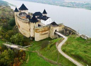 У Хотинській фортеці відреставрують під'їзний міст