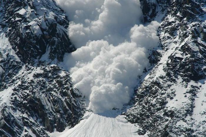 У французьких Альпах загинули четверо туристів через У французьких Альпах загинули четверо туристів через сходження лавинисходження лавини