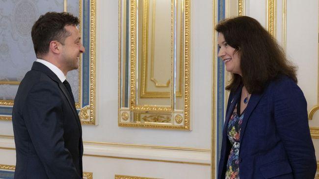 Зеленський обговорив із головою ОБСЄ безпекову ситуацію на сході та біля кордонів України